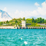 Auf unserer geführten Carreise ab Bern sehen wir den weitläufigen Lago Maggiore.